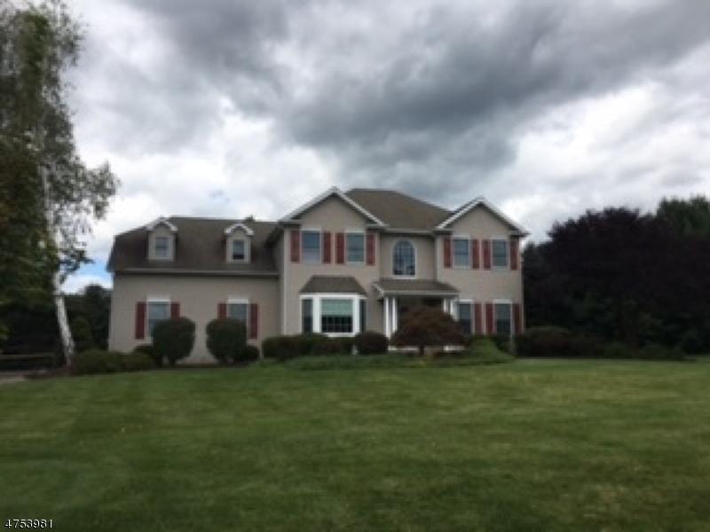 Maison unifamiliale pour l Vente à 103 Stone Xing Greenwich, New Jersey 08886 États-Unis