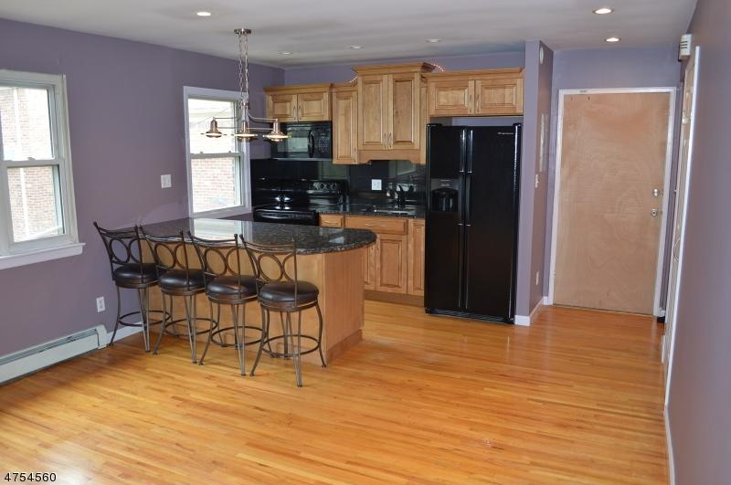 Частный односемейный дом для того Аренда на 300 Wilson Rd, UNIT 22C Springfield, Нью-Джерси 07081 Соединенные Штаты