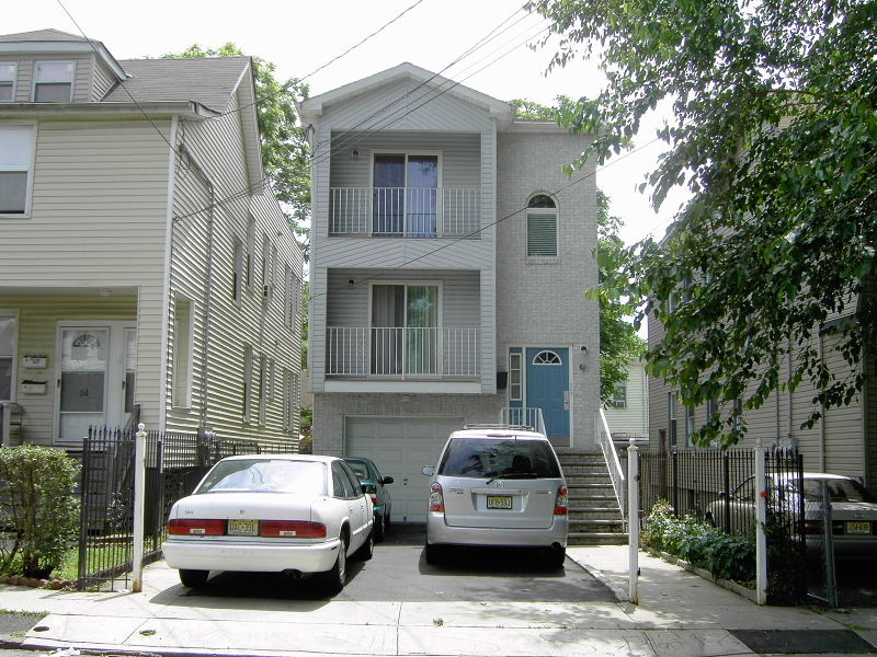 Casa Unifamiliar por un Alquiler en 66 Sheridan Street Irvington, Nueva Jersey 07111 Estados Unidos
