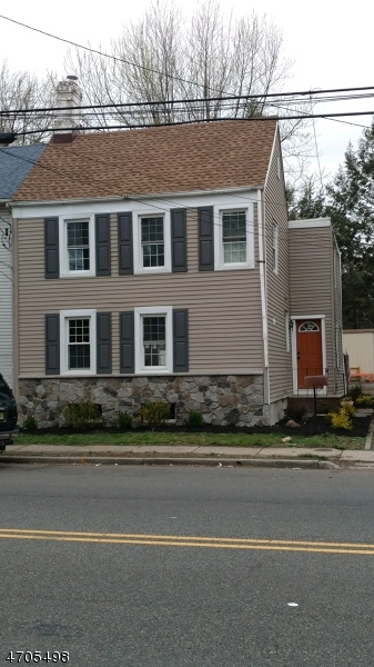 Casa Unifamiliar por un Alquiler en 853 Westfield Avenue Rahway, Nueva Jersey 07065 Estados Unidos
