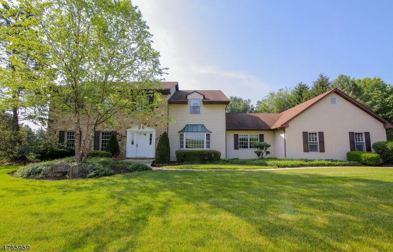 Single Family Home for Sale at 4643 Park Lane Walnutport, Pennsylvania 18088 United States
