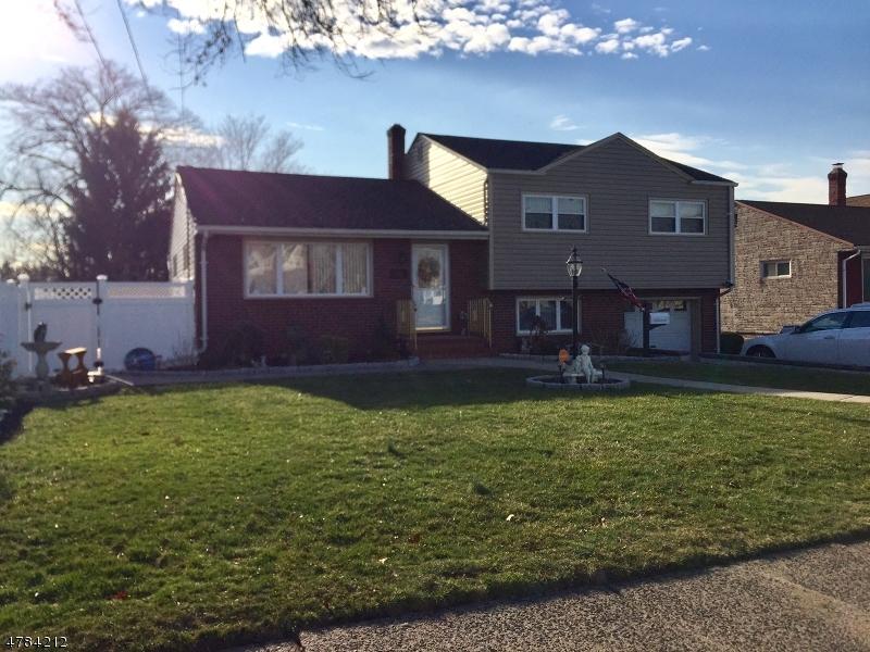 Casa Unifamiliar por un Venta en 156 Boulevard Elmwood Park, Nueva Jersey 07407 Estados Unidos