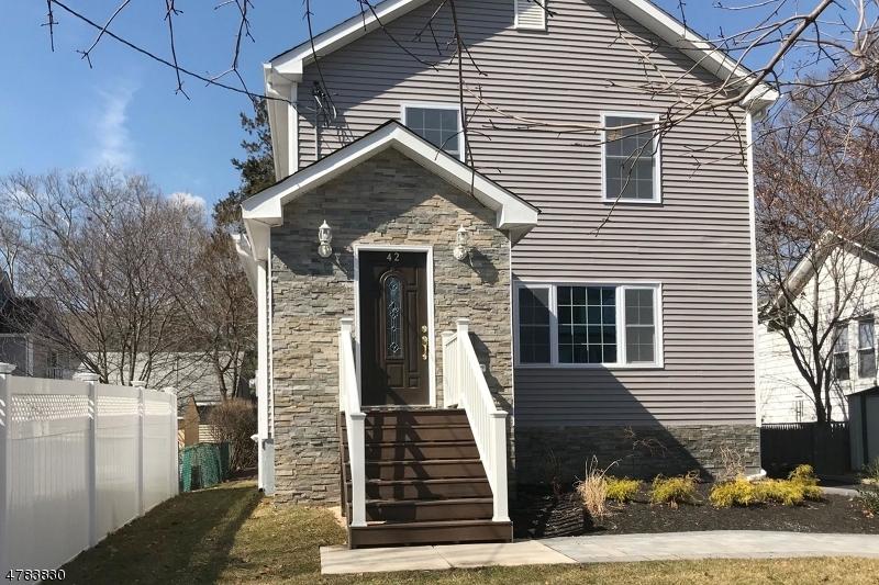 Casa Unifamiliar por un Venta en 42 Grove Street Rutherford, Nueva Jersey 07070 Estados Unidos