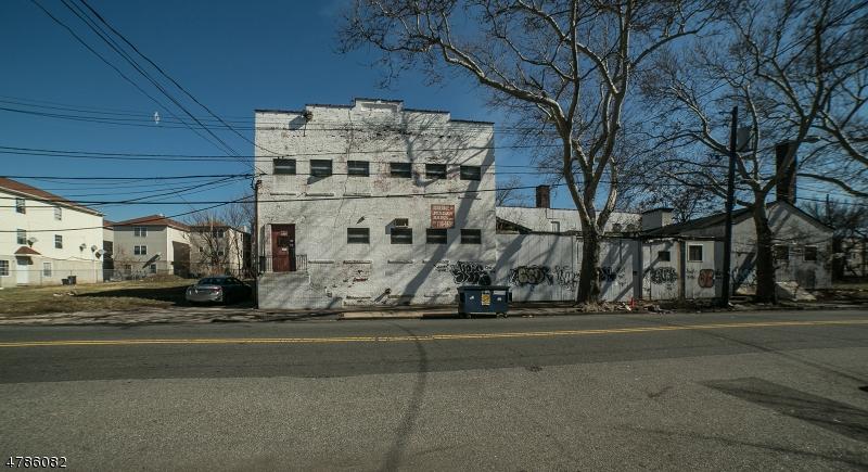 商用 為 出售 在 194 BADGER Avenue Newark, 新澤西州 07108 美國