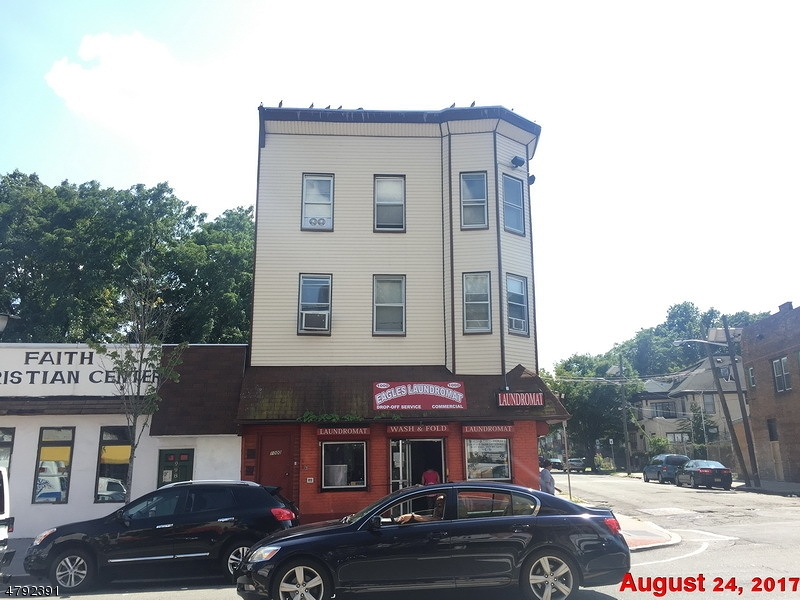 Commercial for Sale at 1000 S Orange Avenue Newark, New Jersey 07106 United States