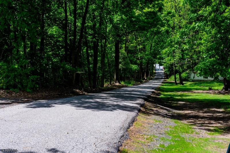 Đất đai vì Bán tại Address Not Available Cedar Grove, New Jersey 07009 Hoa Kỳ