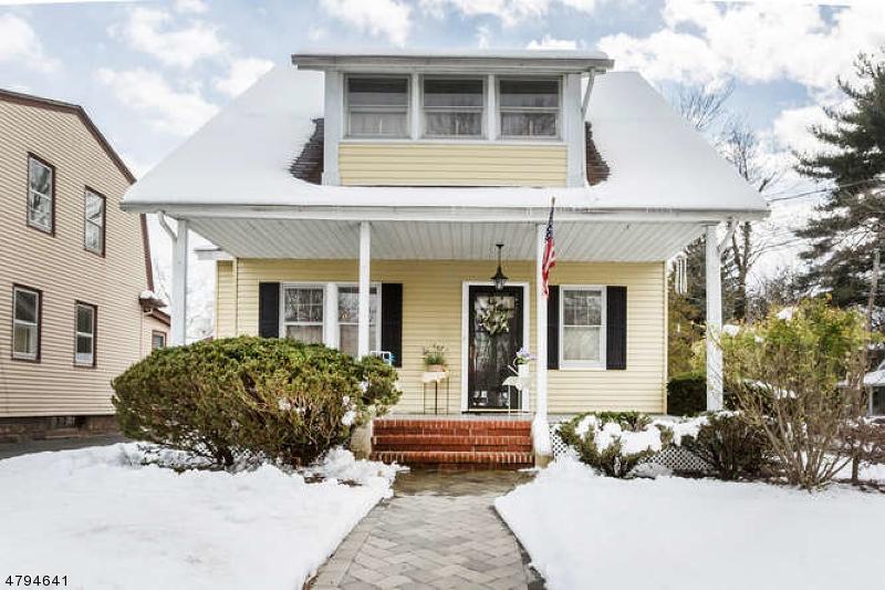 独户住宅 为 销售 在 40 Ontario 杜蒙特, 新泽西州 07628 美国