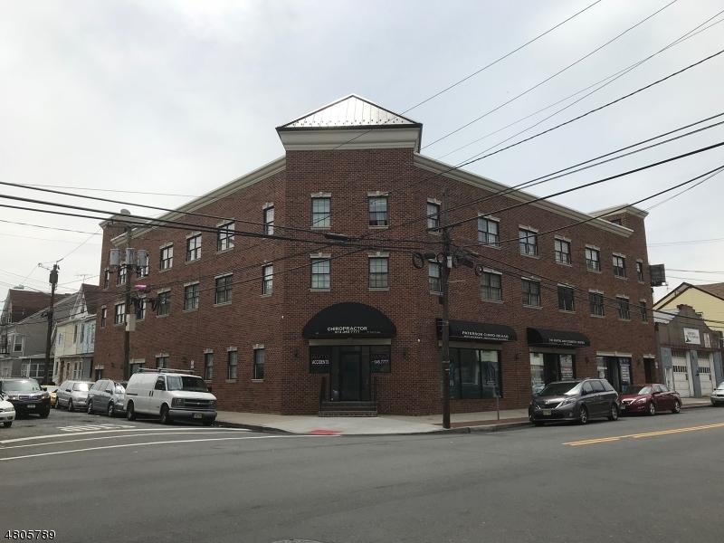商用 为 出租 在 318 E 21st Avenue Paterson, 新泽西州 07501 美国