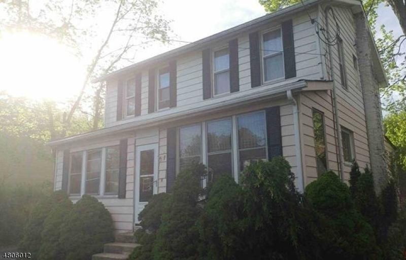 Casa Unifamiliar por un Venta en 186 Horseneck Road Fairfield, Nueva Jersey 07004 Estados Unidos
