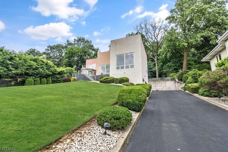 Μονοκατοικία για την Πώληση στο 650 5TH Street Carlstadt, Νιου Τζερσεϋ 07072 Ηνωμενεσ Πολιτειεσ