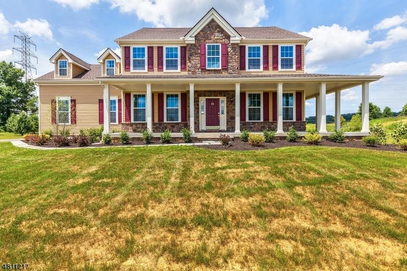 Частный односемейный дом для того Продажа на 24 HIGHLANDS WAY Lopatcong, Нью-Джерси 08865 Соединенные Штаты