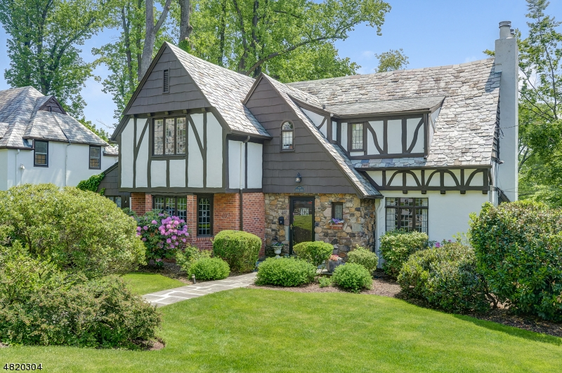 Casa Unifamiliar por un Venta en 4 Tower Drive Maplewood, Nueva Jersey 07040 Estados Unidos