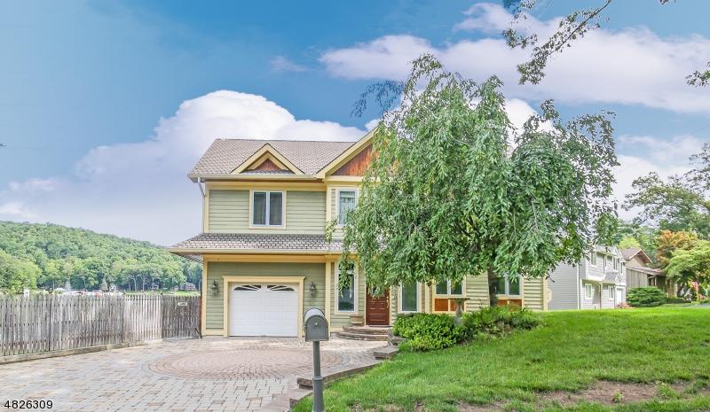Enfamiljshus för Försäljning vid 1 MARINE TER Byram Township, New Jersey 07871 Usa