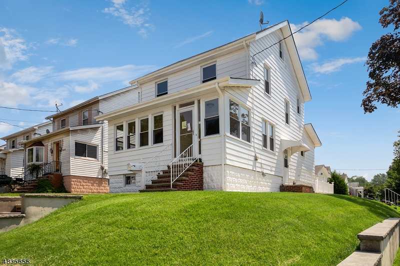 Single Family Home for Sale at 451 CRAWFORD TER Union, New Jersey 07083 United States