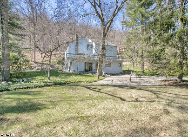 Single Family Home for Sale at 62 DEERHAVEN RD 62 DEERHAVEN RD Mahwah, New Jersey 07430 United States