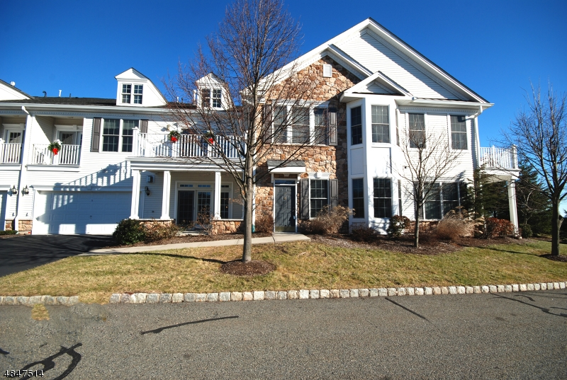 Condo / Casa geminada para Venda às 13 GALENA Road Woodland Park, Nova Jersey 07424 Estados Unidos