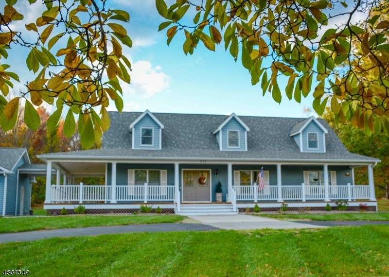 Single Family Home for Sale at 575 County Road 614 575 County Road 614 Union Township, New Jersey 08802 United States