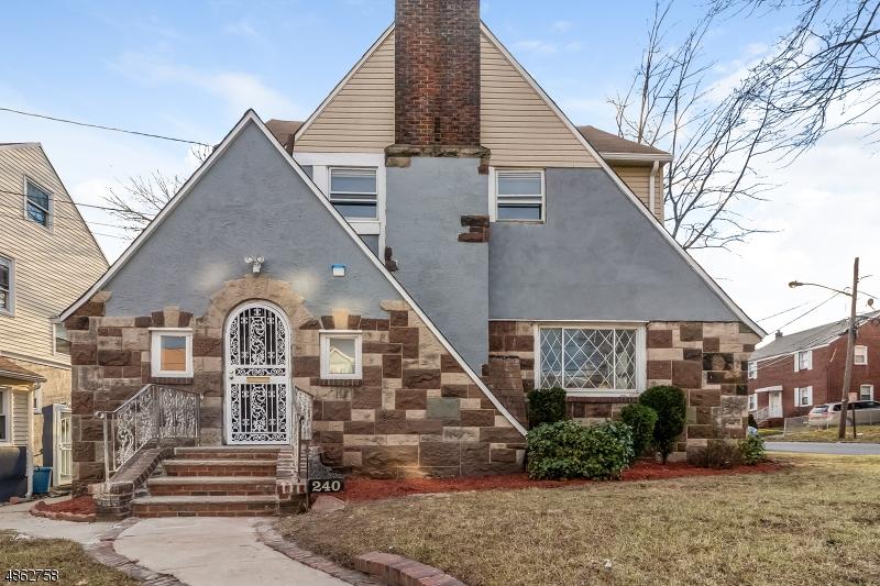 Частный односемейный дом для того Продажа на 240 Williamson Avenue Hillside, Нью-Джерси 07205 Соединенные Штаты