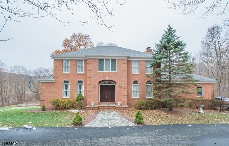 Maison unifamiliale pour l Vente à 505 MACOPIN Road West Milford, New Jersey 07480 États-Unis