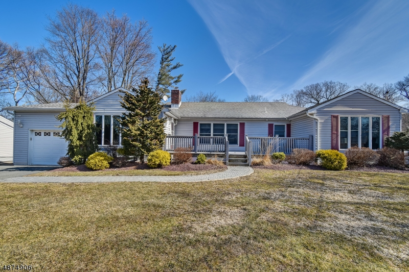 Single Family Home for Sale at 8 MORNINGSIDE Circle Little Falls, New Jersey 07424 United States