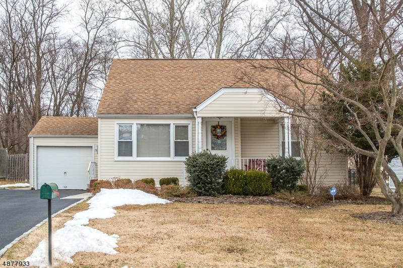Tek Ailelik Ev için Satış at 6 DALE Drive Fairfield, New Jersey 07004 Amerika Birleşik Devletleri