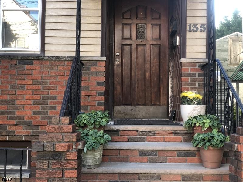 Property para Arrendar às Newark, Nova Jersey 07105 Estados Unidos