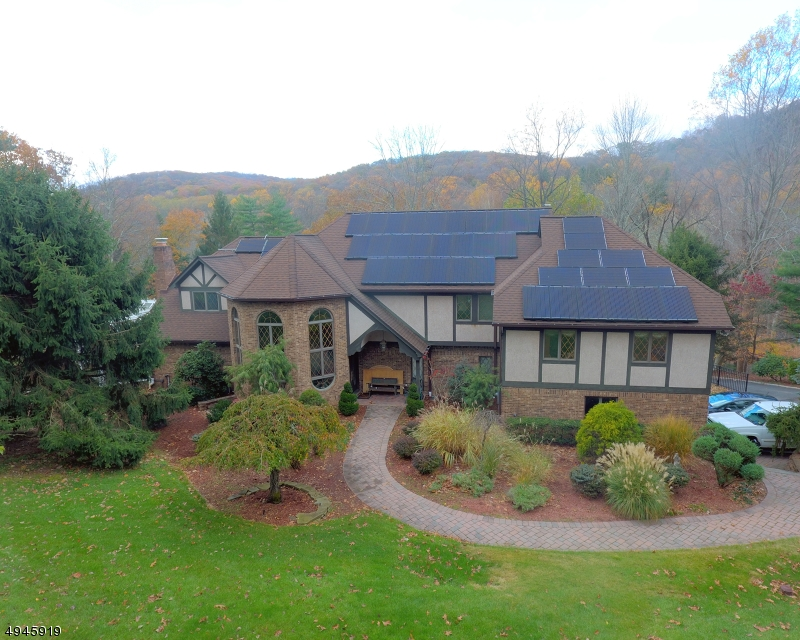 Single Family Homes for Sale at Mahwah, New Jersey 07430 United States