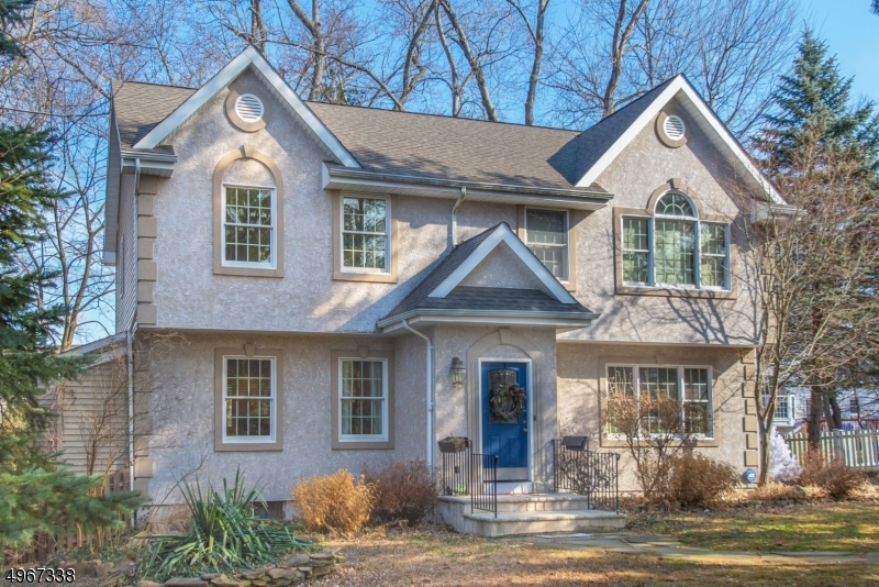 Single Family Homes por un Venta en West Caldwell, Nueva Jersey 07006 Estados Unidos