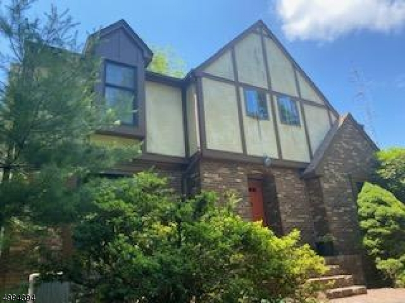 Single Family Homes のために 売買 アット Glen Gardner, ニュージャージー 08826 アメリカ