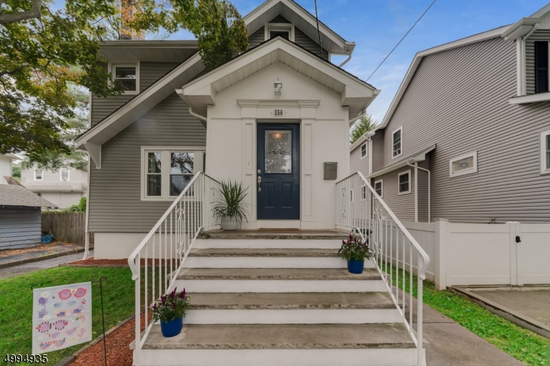 Property для того Продажа на Rutherford, Нью-Джерси 07070 Соединенные Штаты