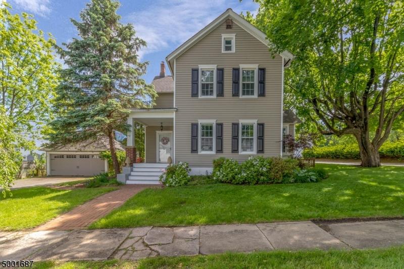 Single Family Homes pour l Vente à Bloomsbury, New Jersey 08804 États-Unis