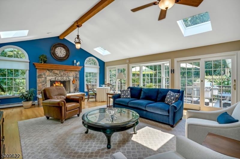 Single Family Homes для того Продажа на Bridgewater, Нью-Джерси 08836 Соединенные Штаты