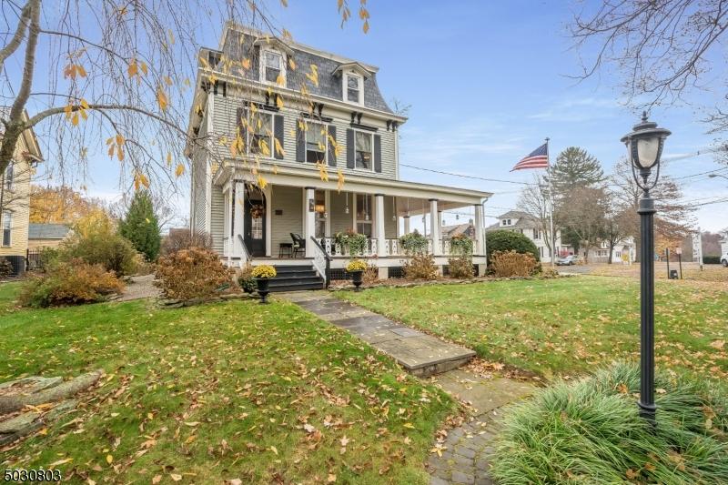 Single Family Homes vì Bán tại Lebanon, New Jersey 08833 Hoa Kỳ