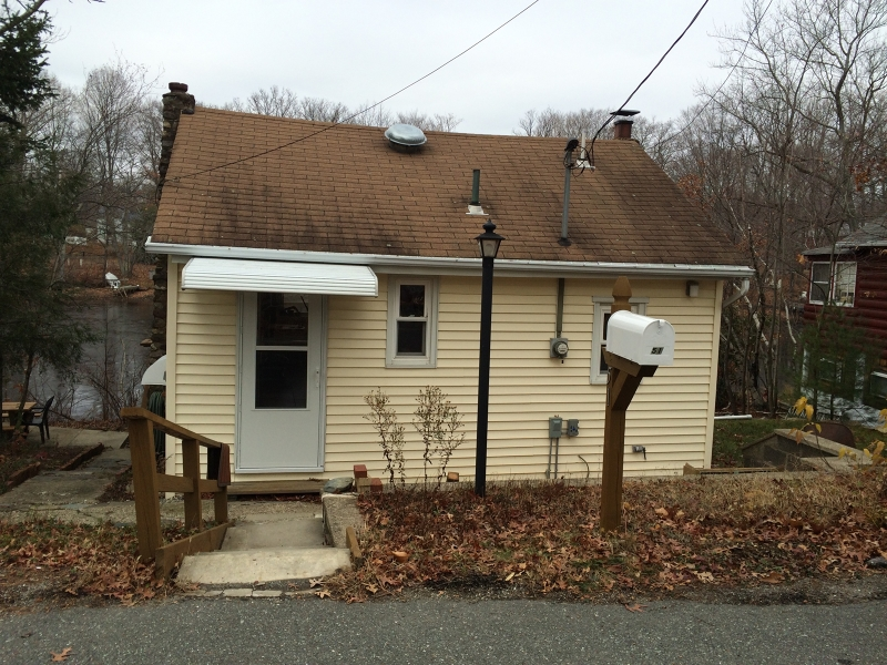 Additional photo for property listing at 51 Landing Road  Hewitt, New Jersey 07421 United States