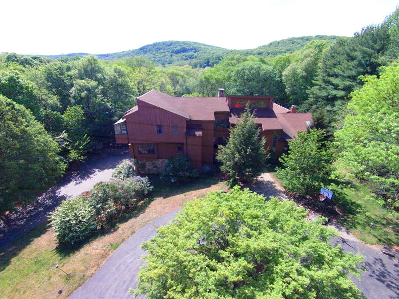 Additional photo for property listing at 1100 Ramapo Valley Road  Mahwah, New Jersey 07430 United States
