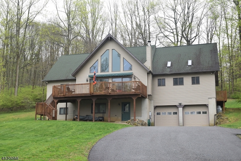 Single Family Home for Sale at 18 Reservoir Road Long Valley, New Jersey 07853 United States