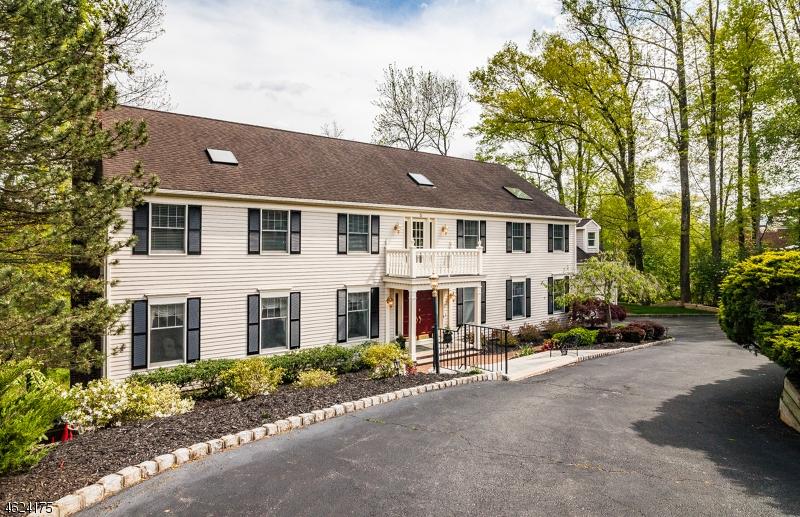 Частный односемейный дом для того Продажа на 5 Indian Lane Florham Park, Нью-Джерси 07932 Соединенные Штаты