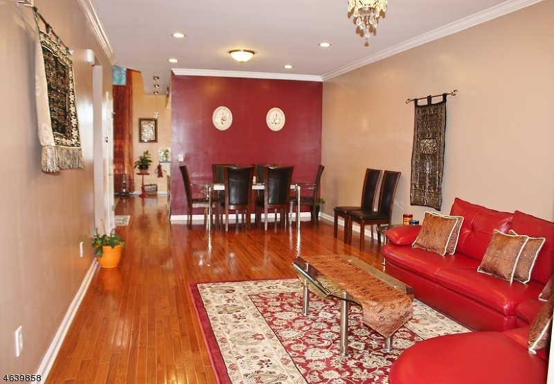 Additional photo for property listing at 26 Tudor Drive  萨默赛特, 新泽西州 08873 美国