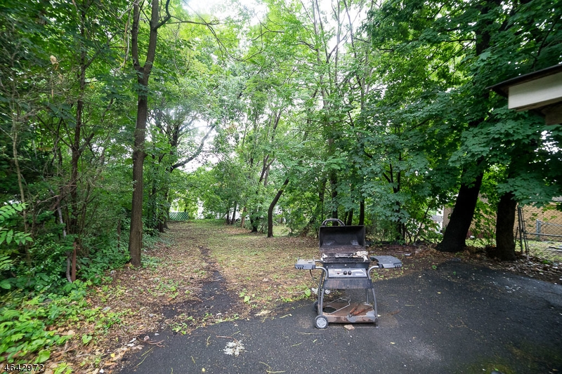 Additional photo for property listing at 235 Mount Vernon Avenue  Orange, New Jersey 07050 United States