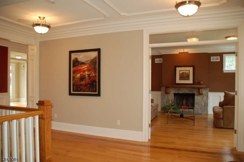 Additional photo for property listing at 4 Rickland Drive  Caldwell, New Jersey 07006 États-Unis