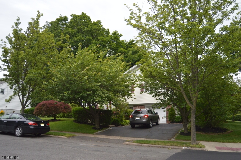 Additional photo for property listing at 198 Birchwood Road  New Milford, New Jersey 07646 États-Unis