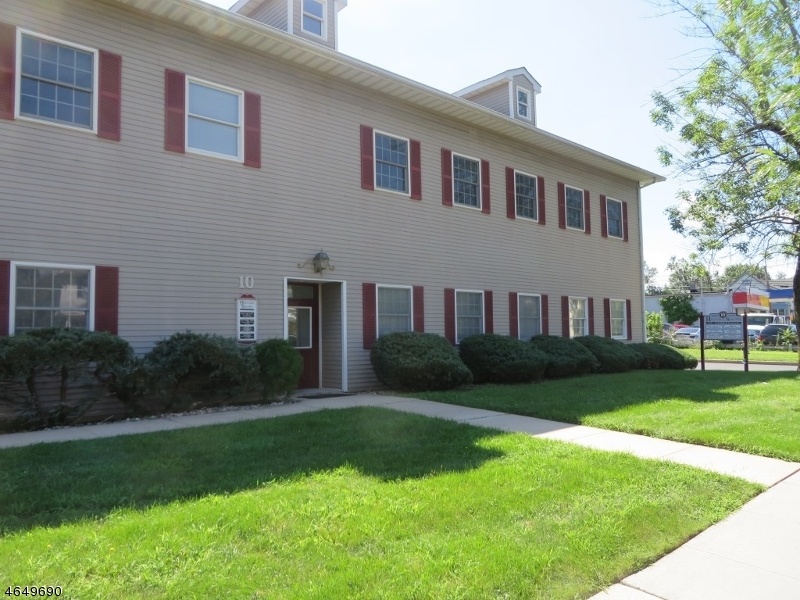 Additional photo for property listing at 10 N Gaston Avenue  Somerville, New Jersey 08876 Hoa Kỳ