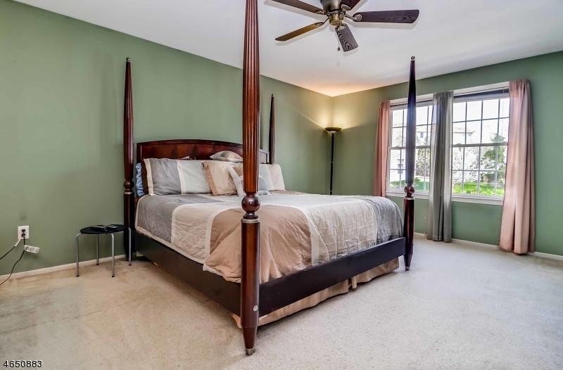 Additional photo for property listing at 92 Fox Chase Lane  Ledgewood, 新泽西州 07852 美国