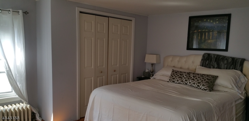 Additional photo for property listing at 22 W 2nd Street  Bound Brook, New Jersey 08805 États-Unis