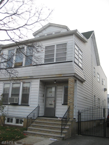 Additional photo for property listing at 213 Hollywood Avenue  East Orange, Nueva Jersey 07018 Estados Unidos
