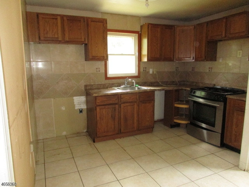 Additional photo for property listing at 1620 Ratzer Road  Wayne, Nueva Jersey 07470 Estados Unidos