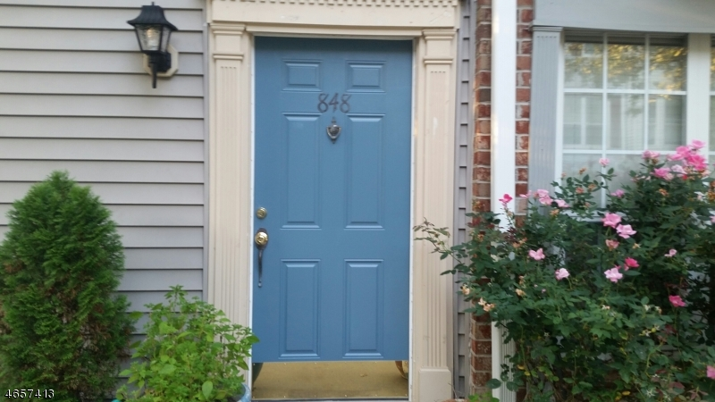独户住宅 为 销售 在 848 Juniper Way 莫瓦, 新泽西州 07430 美国