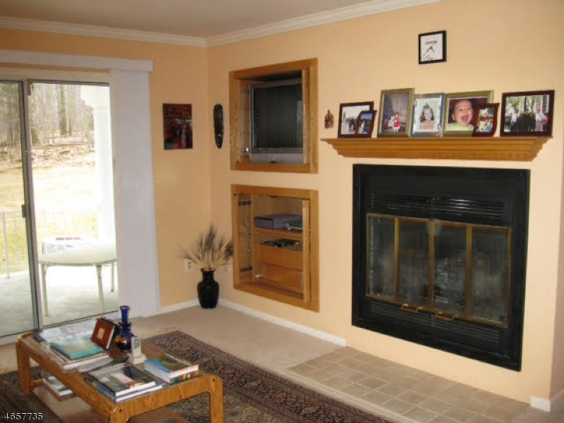 Additional photo for property listing at 83 Cobblers Sq, Q  Sparta, New Jersey 07871 United States