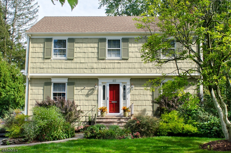 Single Family Home for Sale at 40 CANOE BROOK PARKWAY Summit, New Jersey 07901 United States