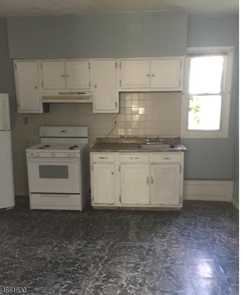 Additional photo for property listing at 71 Jersey Street  Paterson, Нью-Джерси 07501 Соединенные Штаты